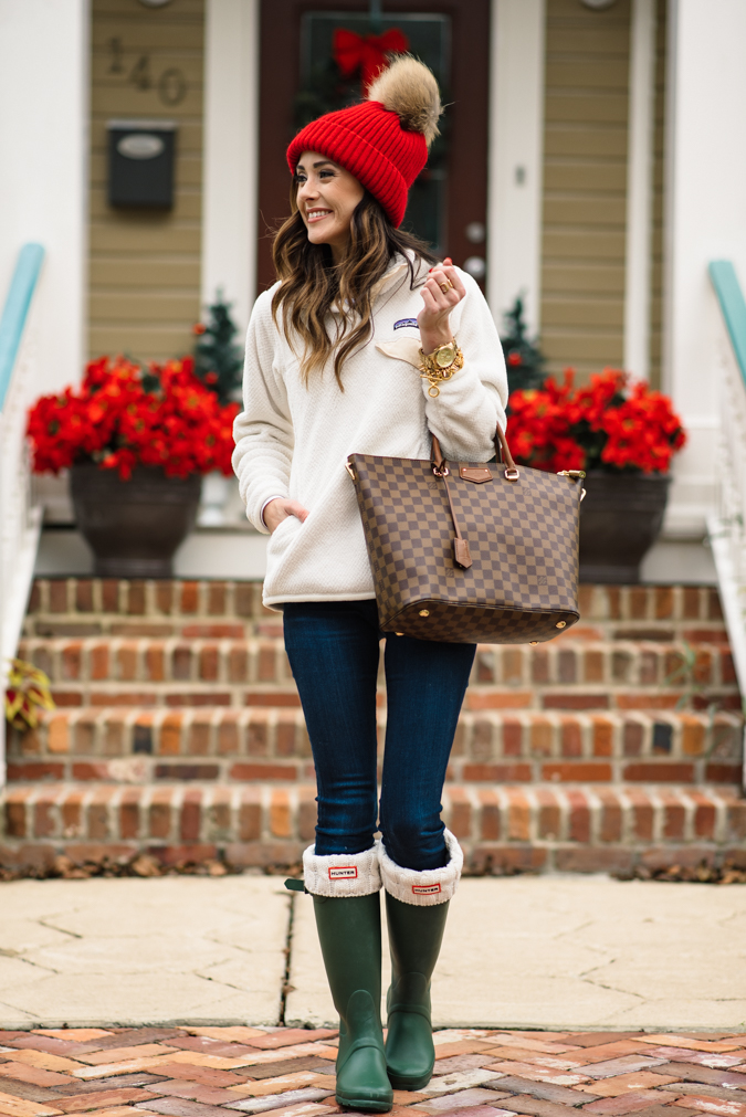 f638334e020d3 30+ Hunter Rain Boots Outfits You Want To Copy - Lillies and Lashes