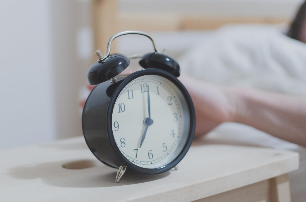 Morning routine: Do these easy things every morning to create a successful day #MorningRoutine #MorningRoutineBeforeWork #MorningRoutineForMoms